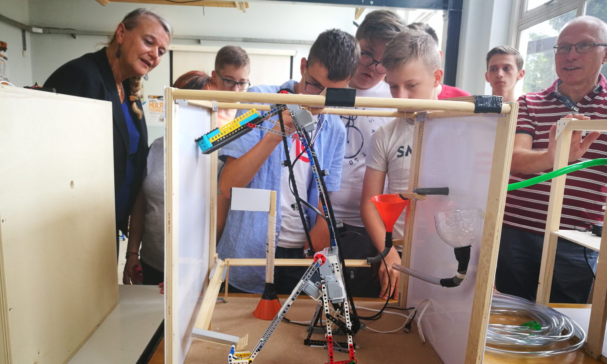 HOW TO RAISE AN INVENTOR. TECHNOLOGY AND ENGINEERING LEARNING MATERIAL FOR SCHOOLS